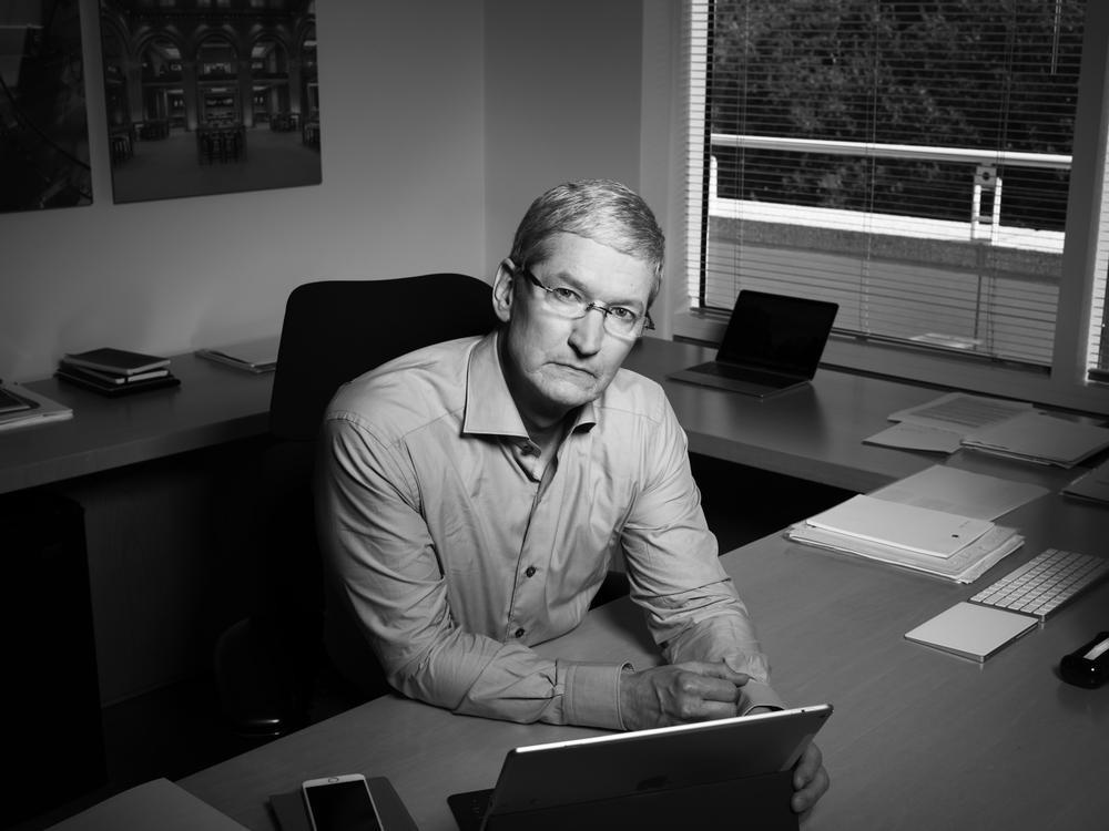 Apple lần đầu tiết lộ nỗi sợ lớn nhất trong cuộc họp cổ đông đầu năm Ảnh 2
