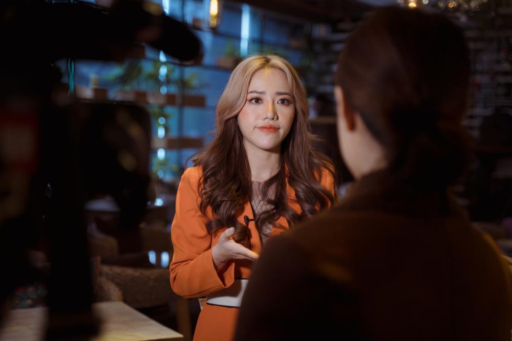 Phùng Khánh Linh từng có ý định dừng ca hát để bán hàng online Ảnh 1