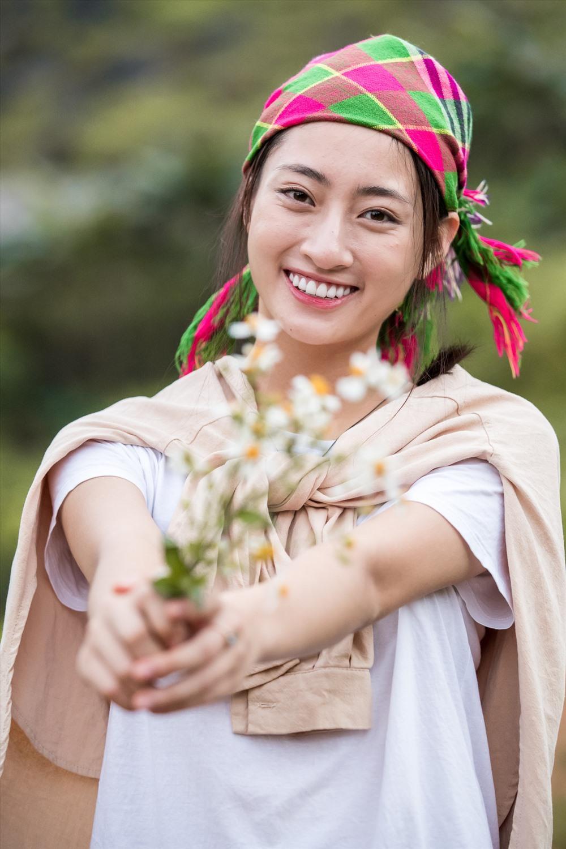 Mặt mộc của 3 hoa hậu đắt show nhất hiện nay: Em út Đỗ Thị Hà 'búng ra sữa' Ảnh 6