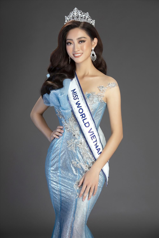 Mặt mộc của 3 hoa hậu đắt show nhất hiện nay: Em út Đỗ Thị Hà 'búng ra sữa' Ảnh 2
