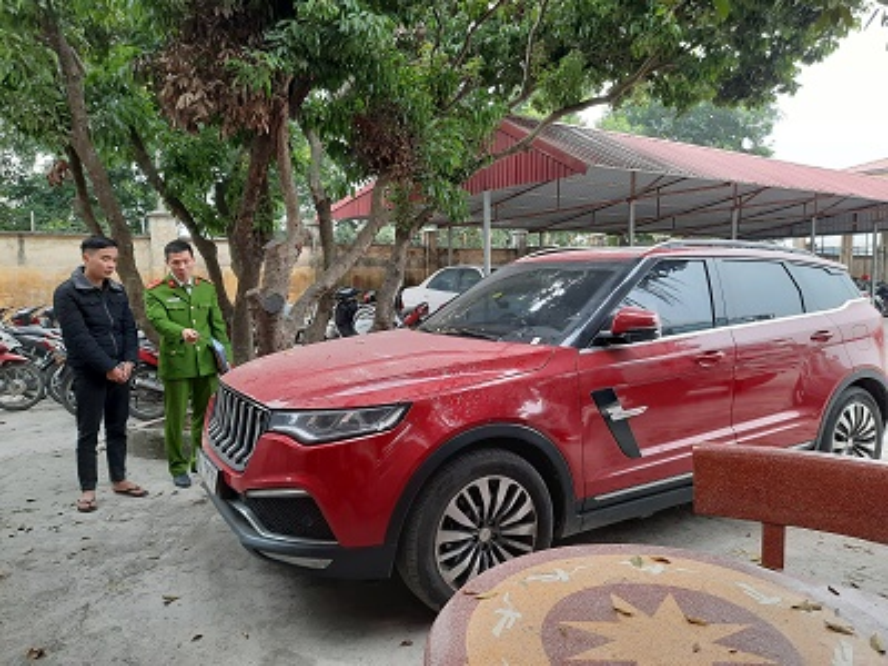Lời khai kẻ bịt mặt nổ súng bắn xe ô tô 'thánh chửi' Dương Minh Tuyền Ảnh 2