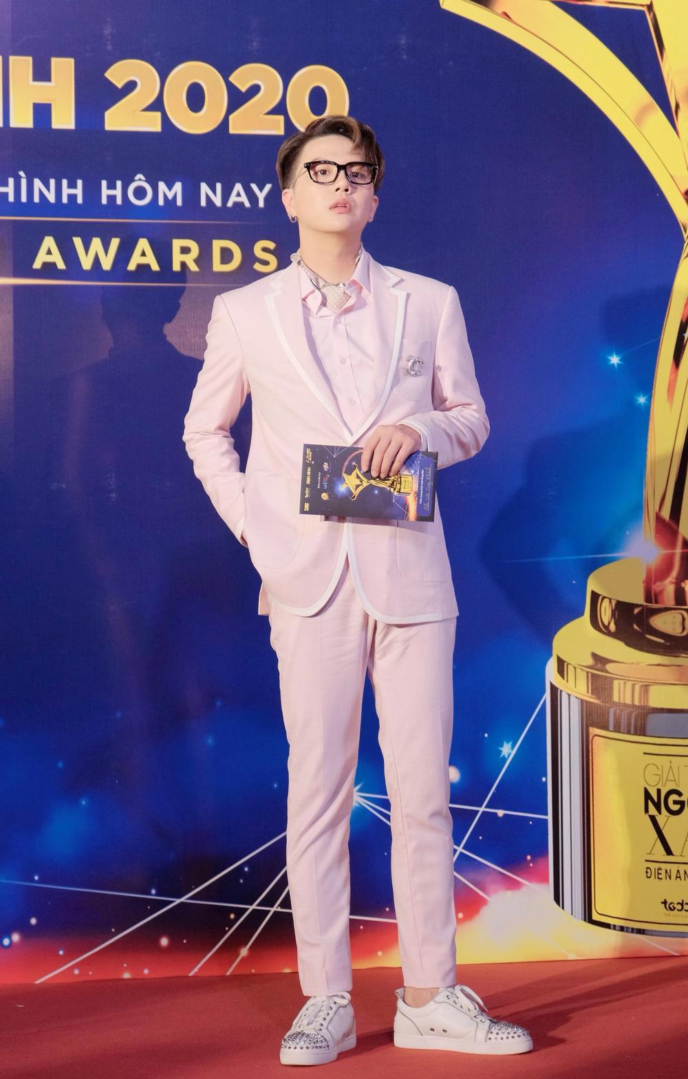 Duy Khánh - diễn viên duy nhất nhận 2 cúp tại 'Ngôi Sao Xanh 2020' nhờ webdrama Xóm sân si Ảnh 11