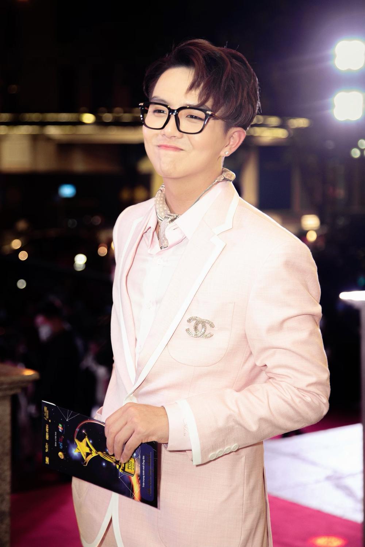 Duy Khánh - diễn viên duy nhất nhận 2 cúp tại 'Ngôi Sao Xanh 2020' nhờ webdrama Xóm sân si Ảnh 6