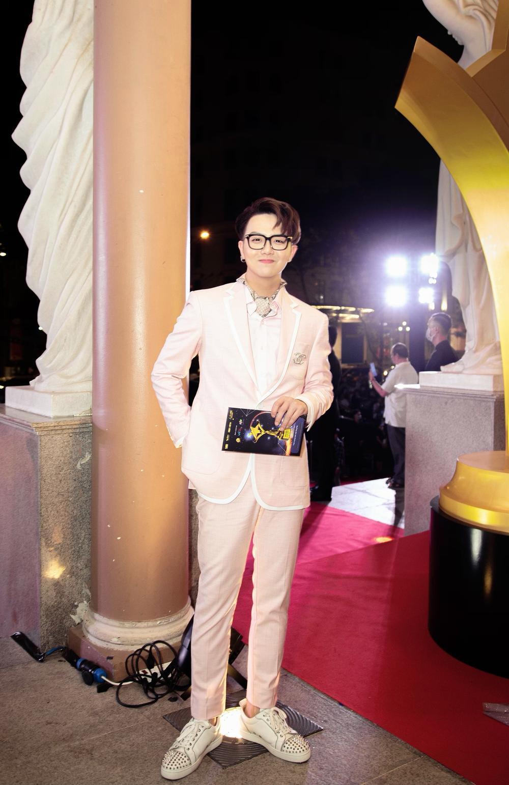Duy Khánh - diễn viên duy nhất nhận 2 cúp tại 'Ngôi Sao Xanh 2020' nhờ webdrama Xóm sân si Ảnh 7