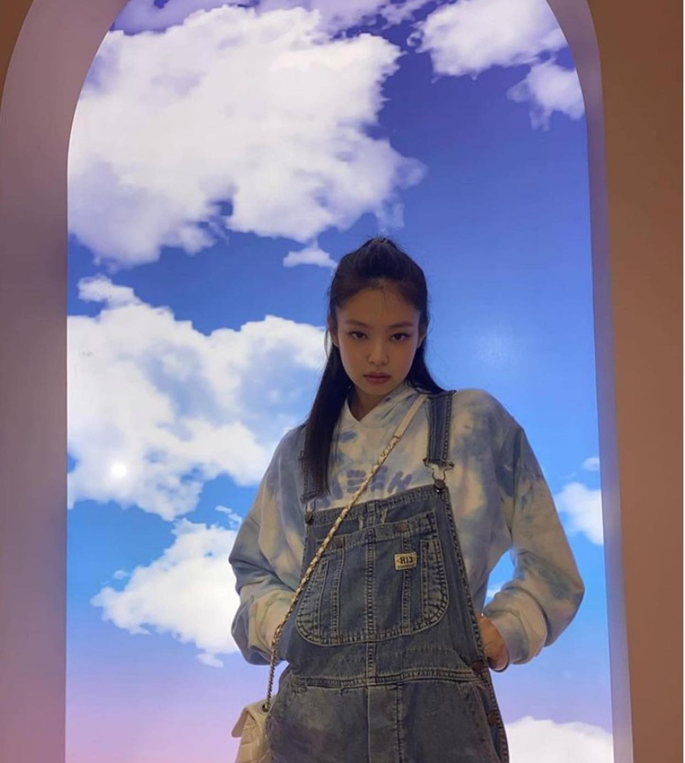 Jennie BlackPink 'âm thầm' sở hữu thương hiệu thời trang riêng Ảnh 3
