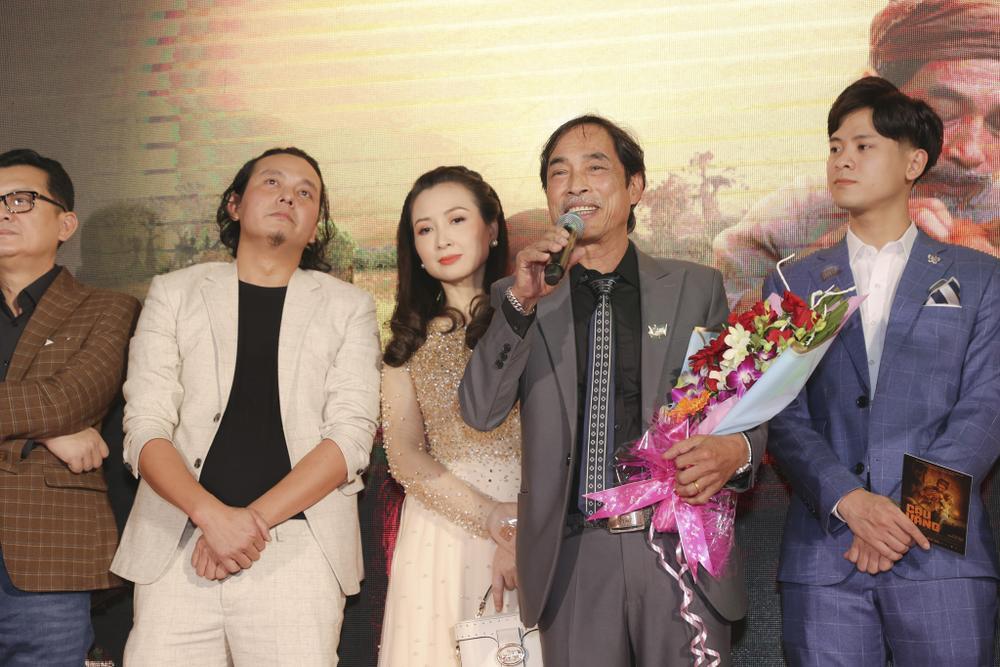 Vợ chồng Hà Tăng, Kiều Minh Tuấn cùng dàn sao Việt góp mặt trong họp báo ra mắt phim 'Cậu Vàng' Ảnh 4