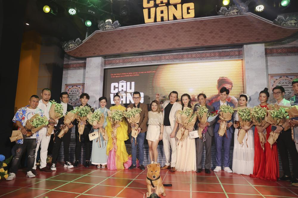Vợ chồng Hà Tăng, Kiều Minh Tuấn cùng dàn sao Việt góp mặt trong họp báo ra mắt phim 'Cậu Vàng' Ảnh 1