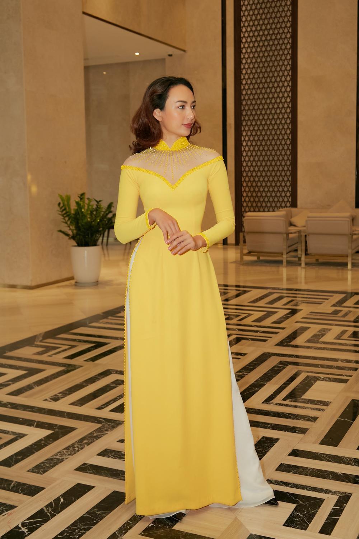 Khánh Vân, Nam Em diện áo dài đỏ rực rỡ, Hoàng My - Kim Duyên thướt tha 'hóa' nàng thơ xứ Huế Ảnh 6