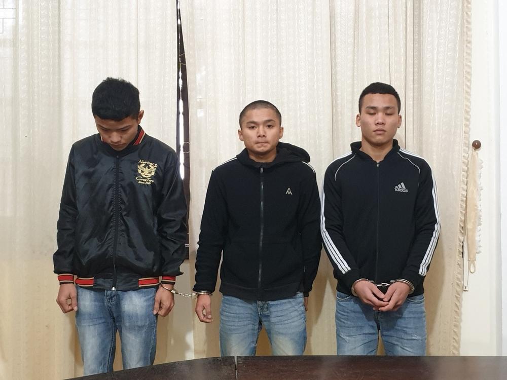 Bị 3 đối tượng cướp giật, thiếu nữ bị kéo lê gần 30m Ảnh 1