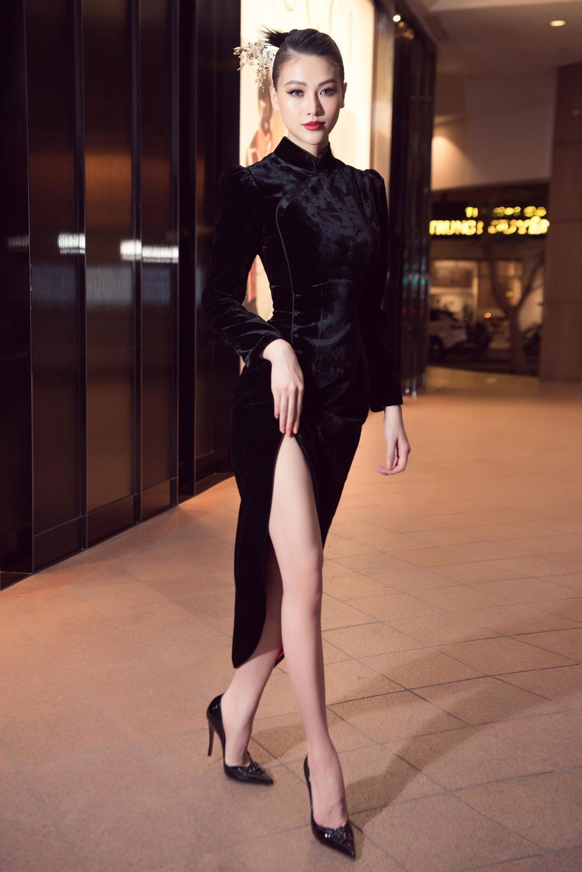Hoa hậu Phương Khánh, Á hậu Ngọc Thảo duyên dáng với váy áo âm hưởng dân gian Ảnh 1