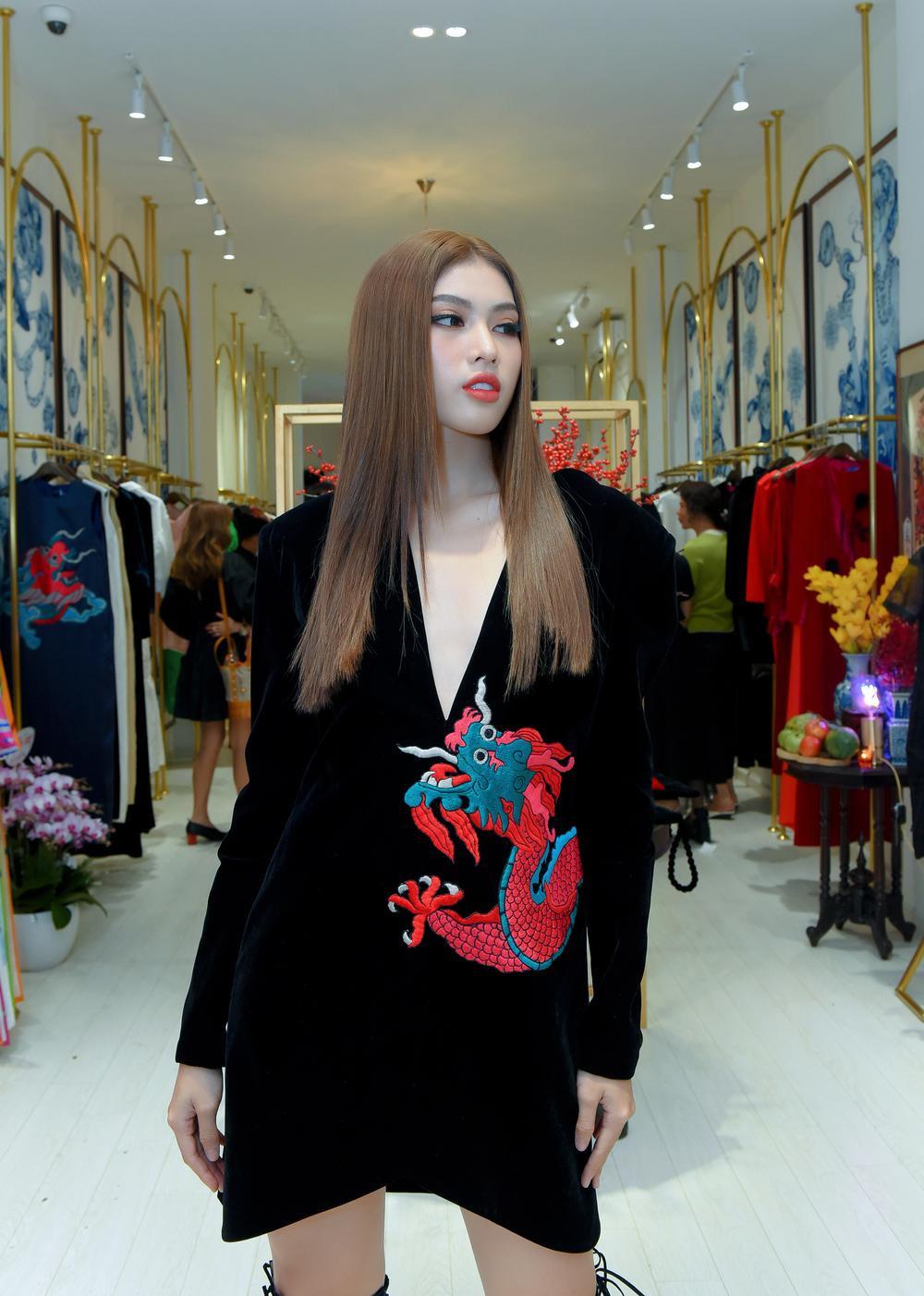 Hoa hậu Phương Khánh, Á hậu Ngọc Thảo duyên dáng với váy áo âm hưởng dân gian Ảnh 6