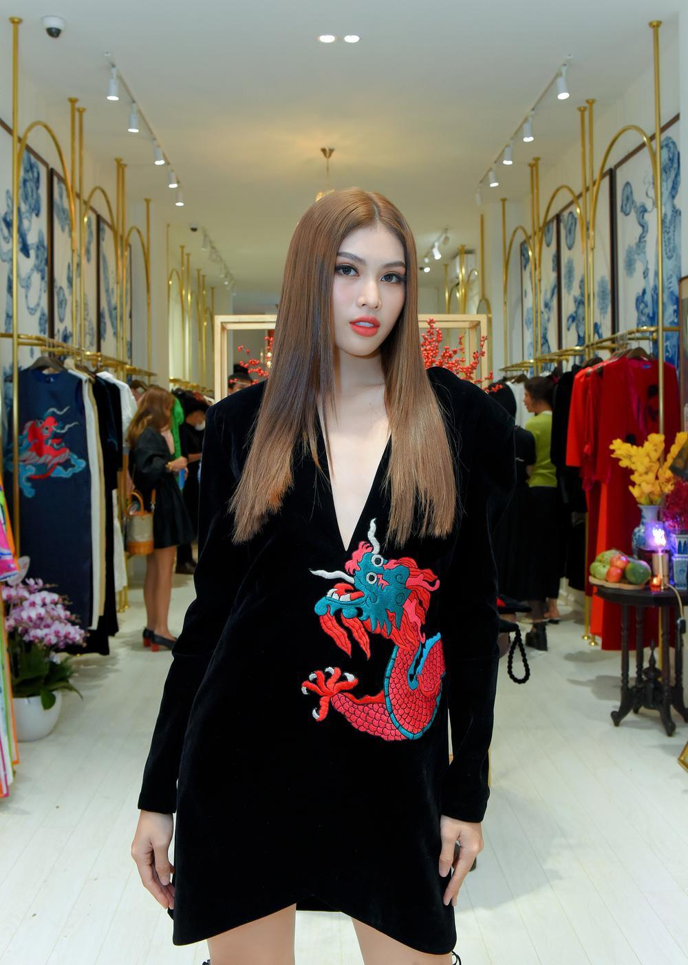 Hoa hậu Phương Khánh, Á hậu Ngọc Thảo duyên dáng với váy áo âm hưởng dân gian Ảnh 7