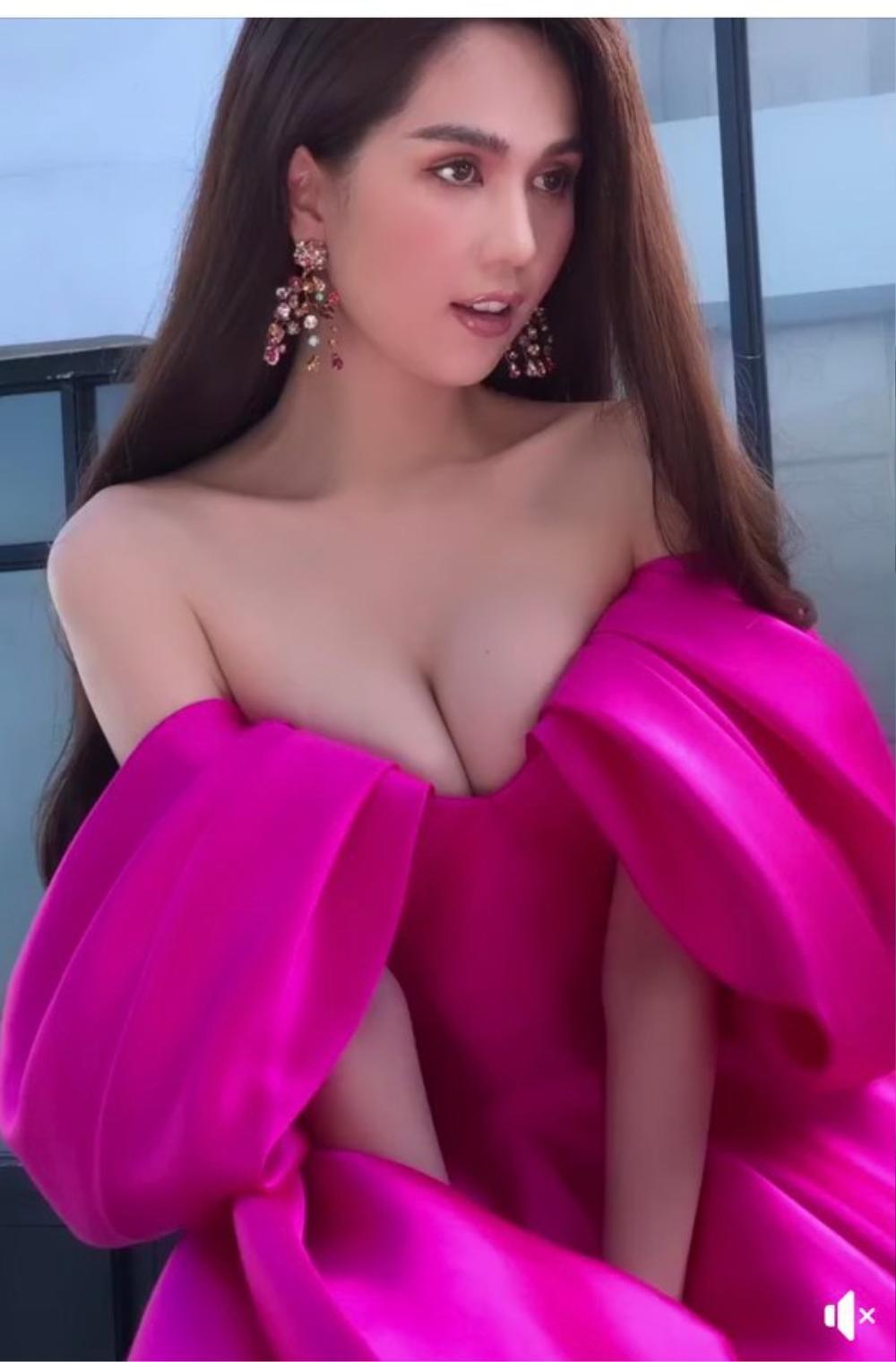 Á hậu Kiều Loan đụng váy 'hở ngực bạo' với đàn chị Ngọc Trinh Ảnh 6