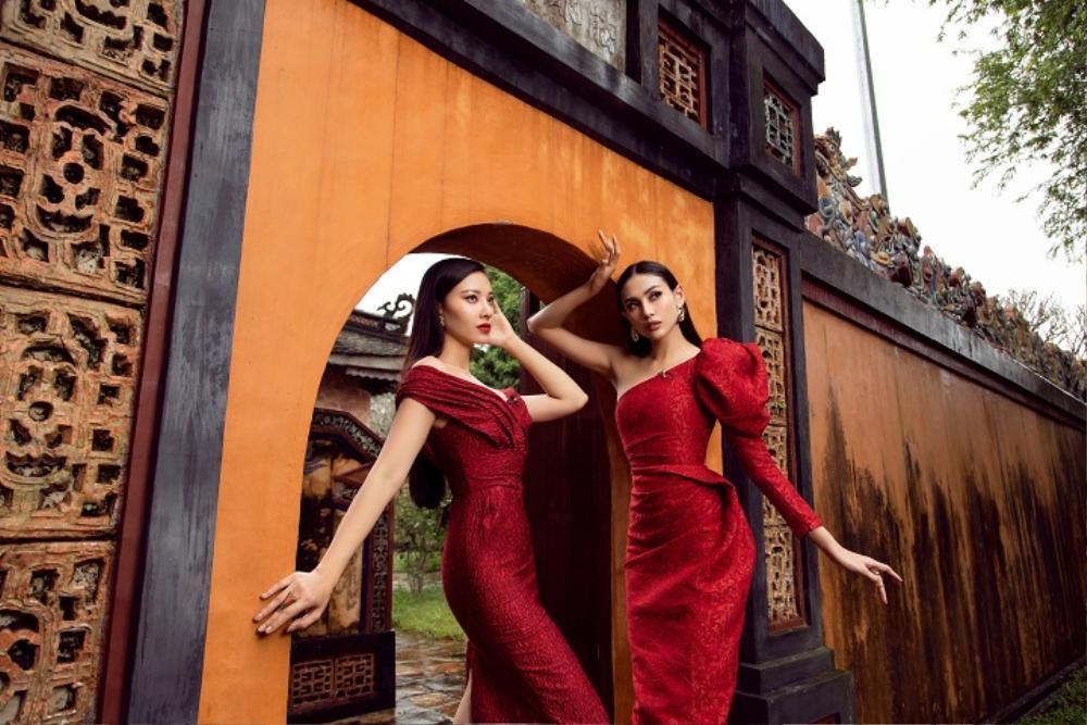 Võ Hoàng Yến, Hoa hậu Khánh Vân diện váy vóc rực rỡ tạo dáng kiêu sa tại cố đô Huế Ảnh 2