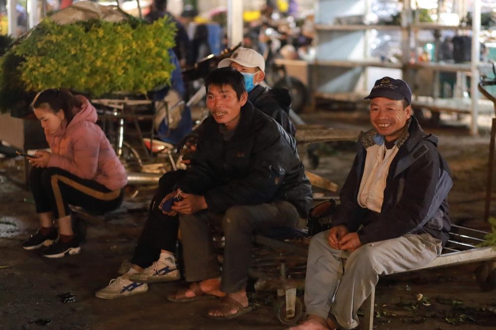 Chùm ảnh: Những con người không ngủ đón đông cùng Hà Nội Ảnh 8
