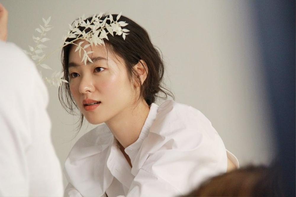 Jeon Yeo Bin nói về Song Joong Ki: Sẽ dệt lên mối tình đẹp như mộng năm 2021? Ảnh 4