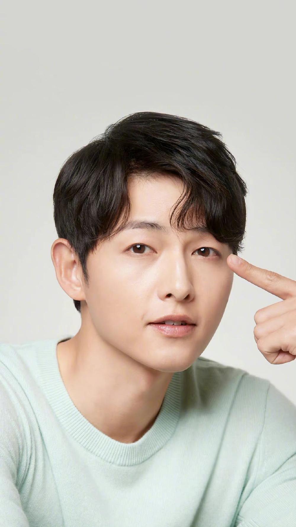 Jeon Yeo Bin nói về Song Joong Ki: Sẽ dệt lên mối tình đẹp như mộng năm 2021? Ảnh 5