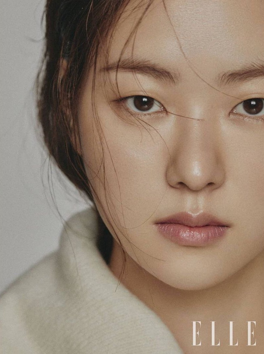 Jeon Yeo Bin nói về Song Joong Ki: Sẽ dệt lên mối tình đẹp như mộng năm 2021? Ảnh 1