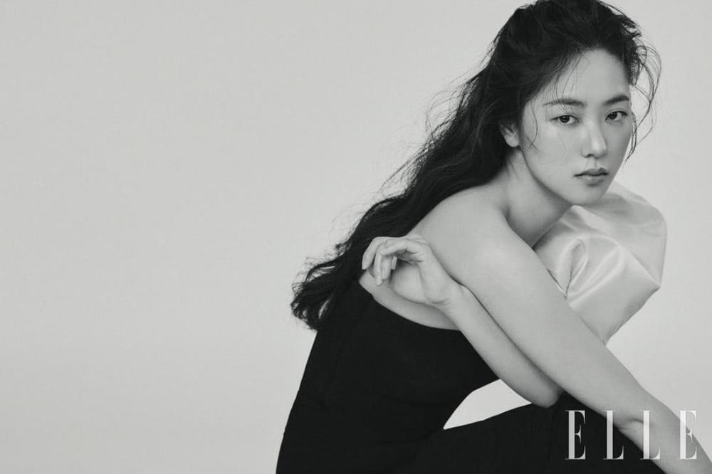 Jeon Yeo Bin nói về Song Joong Ki: Sẽ dệt lên mối tình đẹp như mộng năm 2021? Ảnh 3