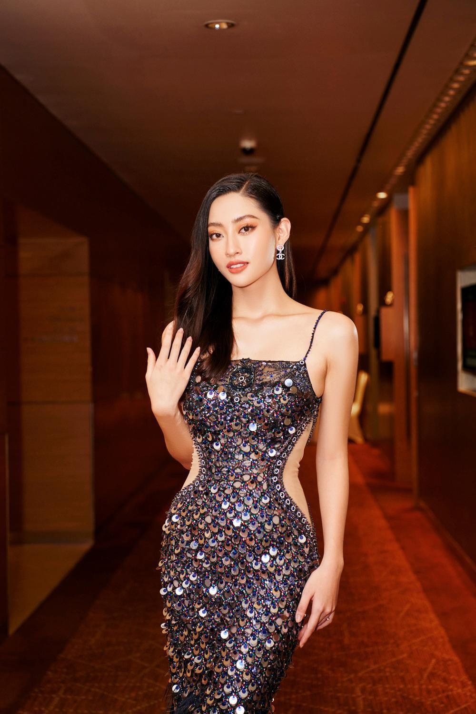 Hoa hậu Việt Nam - Đỗ Thị Hà kiều diễm với váy lệch vai nhưng Lương Thùy Linh đẹp quyến rũ quá lấn át Ảnh 3