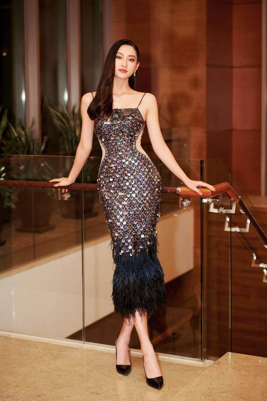 Hoa hậu Việt Nam - Đỗ Thị Hà kiều diễm với váy lệch vai nhưng Lương Thùy Linh đẹp quyến rũ quá lấn át Ảnh 1