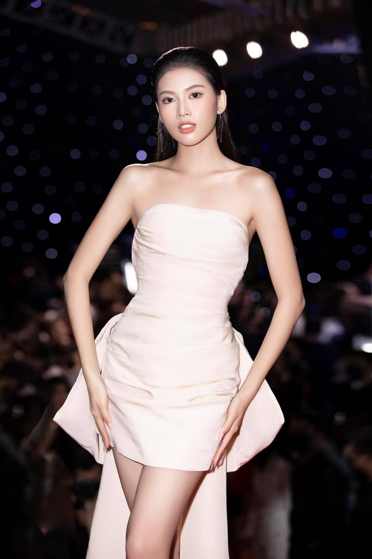 Ê-kíp Hoa hậu Hòa bình dự đoán Ngọc Thảo có cơ hội đăng quang: 'Á hậu Việt Nam rất đẹp, fan lại đông' Ảnh 8