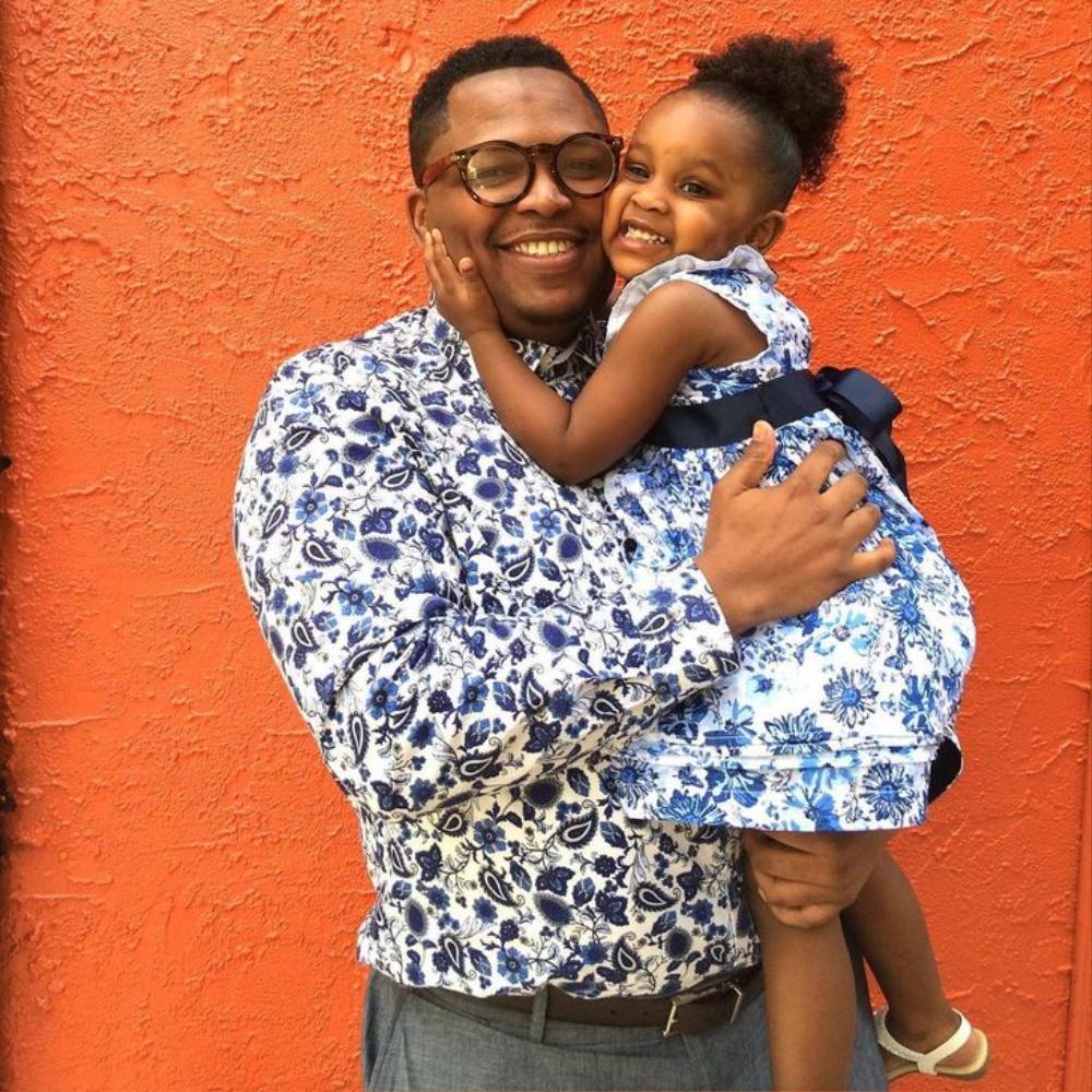 Cảm động người bố may 200 bộ quần áo đẹp tặng cho con gái Ảnh 2