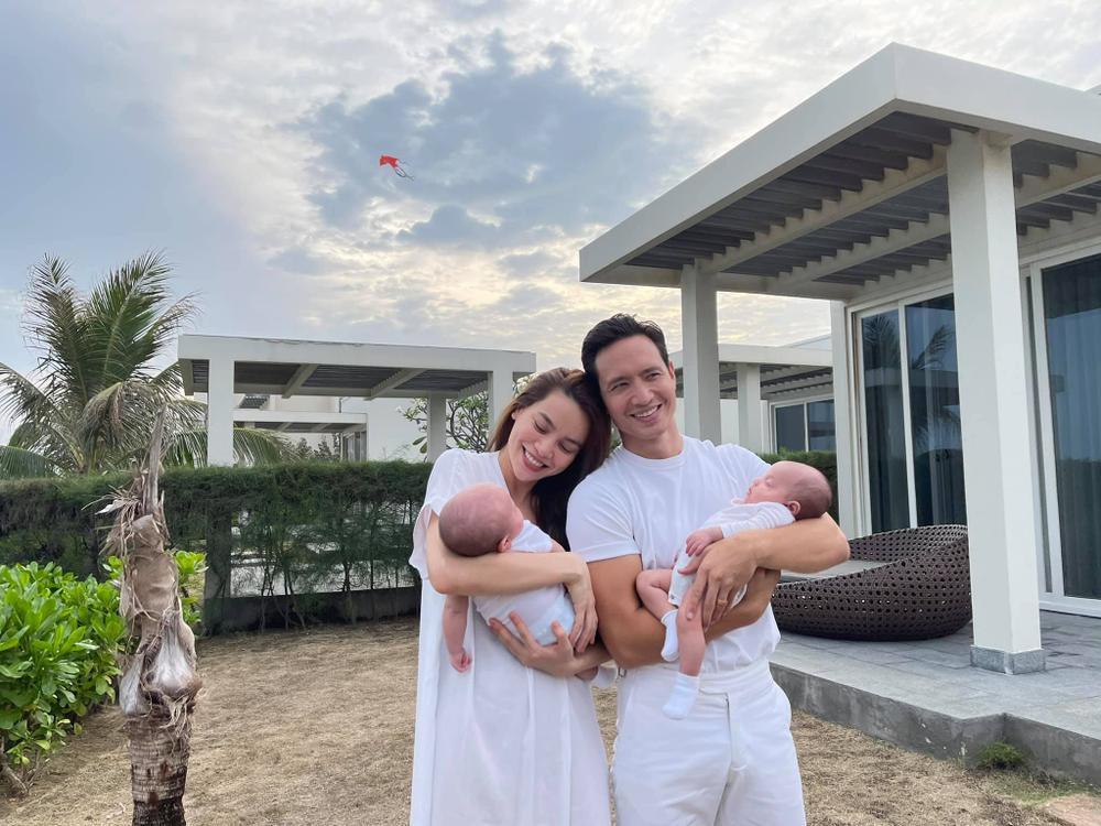 BB Trần xin việc giữ chồng Kim Lý giúp 'mẹ bỉm sữa', Hồ Ngọc Hà thuê ngay: 'Làm ơn qua gấp' Ảnh 2