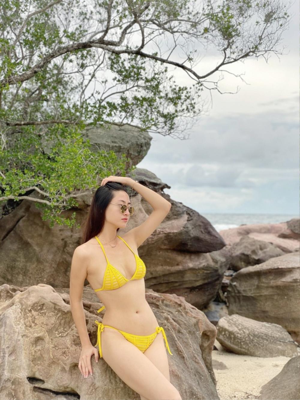 Khoe ảnh diện bikini, Lương Thùy Linh 'hớp hồn' fan bởi đôi chân 'cực phẩm', thắt eo con kiến Ảnh 5