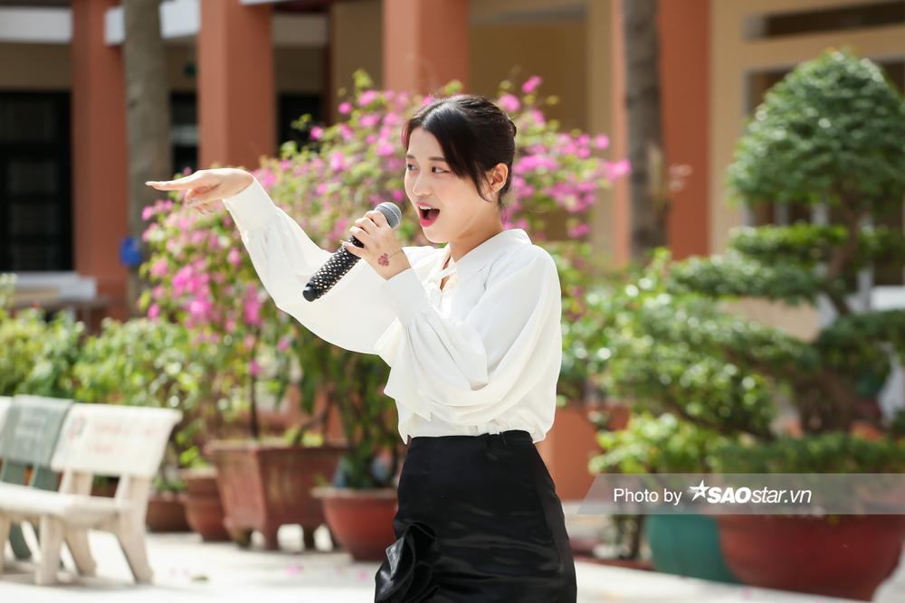 Han Sara bất ngờ xuất hiện tại Thiếu Niên Nói 2021, giúp teen thổ lộ tình cảm với 'crush' Ảnh 2
