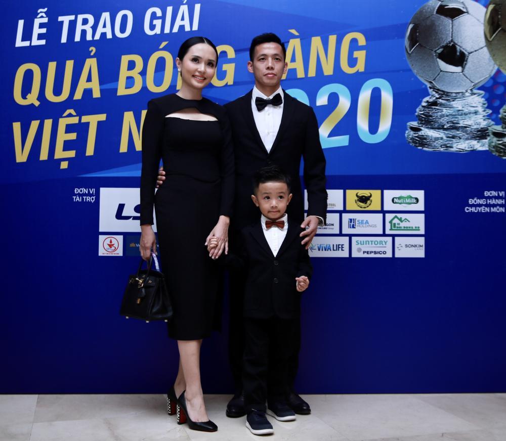 Văn Quyết giành Quả bóng vàng Việt Nam 2020: Cuối cùng hạnh phúc cũng mỉm cười với Quyết 'rừng' Ảnh 2