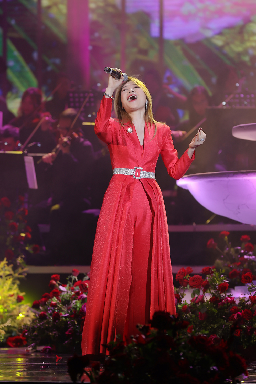 Minh Tâm 'The Voice Kids' hạnh phúc khi được hợp ca cùng Mỹ Tâm - Bằng Kiều trong đêm nhạc chào xuân 2021 Ảnh 17