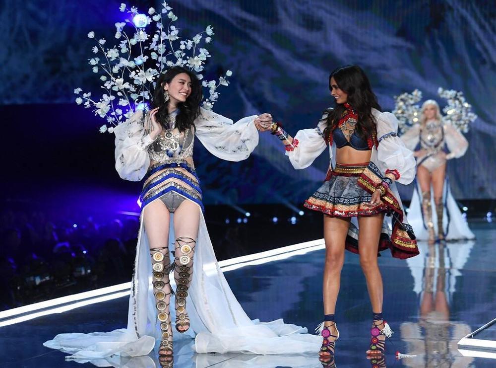 Chân dài Victoria's Secret bày tỏ sự mến mộ Jennie Black Pink Ảnh 4
