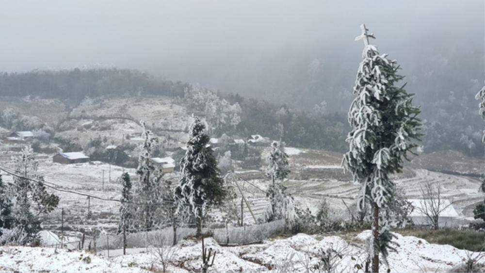 Tuyết rơi trắng xoá ở Sa Pa