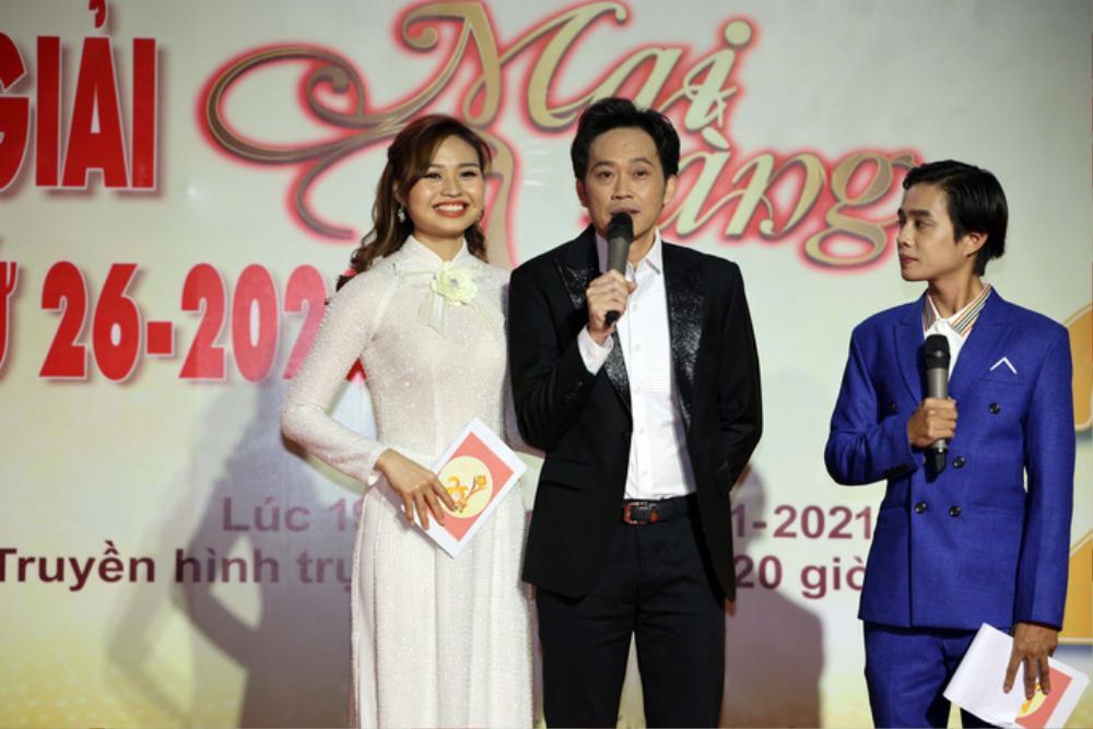 Huỳnh Lập 'vượt mặt' NSƯT Hoài Linh, Trường Giang giành giải Mai Vàng 2020 với xê-ri 'Một nén nhang' Ảnh 1