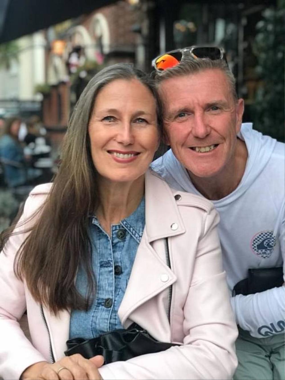 Chuyện tình hợp tan như phim điện ảnh của cặp đôi tái hôn ở tuổi 50 Ảnh 4