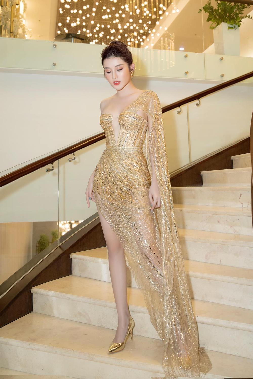 Á hậu Phương Anh đẹp vượt mặt chị đại Thanh Hằng dù đã sửa kết cấu váy, bộ đầm tạo kỉ lục mới! Ảnh 8