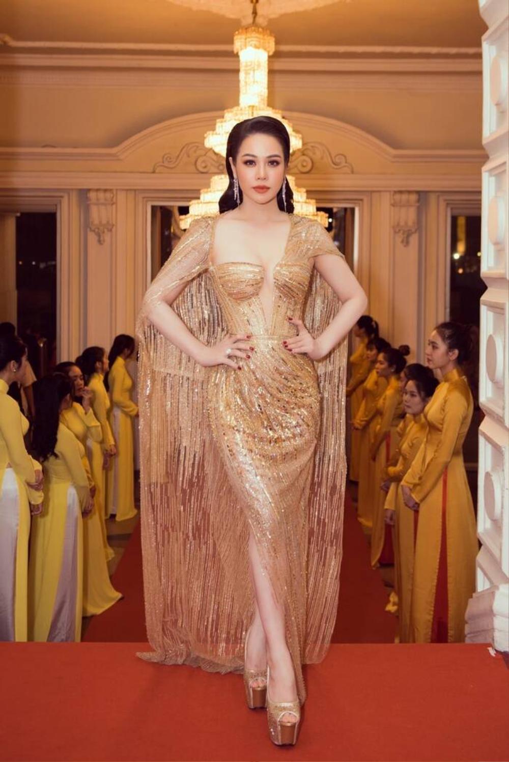 Á hậu Phương Anh đẹp vượt mặt chị đại Thanh Hằng dù đã sửa kết cấu váy, bộ đầm tạo kỉ lục mới! Ảnh 9