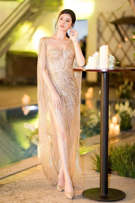 Á hậu Phương Anh đẹp vượt mặt chị đại Thanh Hằng dù đã sửa kết cấu váy, bộ đầm tạo kỉ lục mới! Ảnh 10