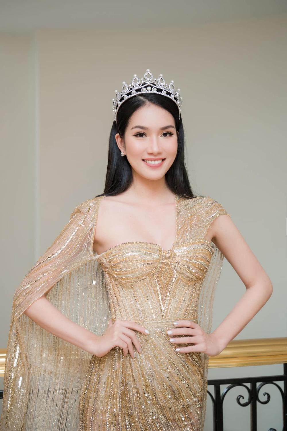 Á hậu Phương Anh đẹp vượt mặt chị đại Thanh Hằng dù đã sửa kết cấu váy, bộ đầm tạo kỉ lục mới! Ảnh 1