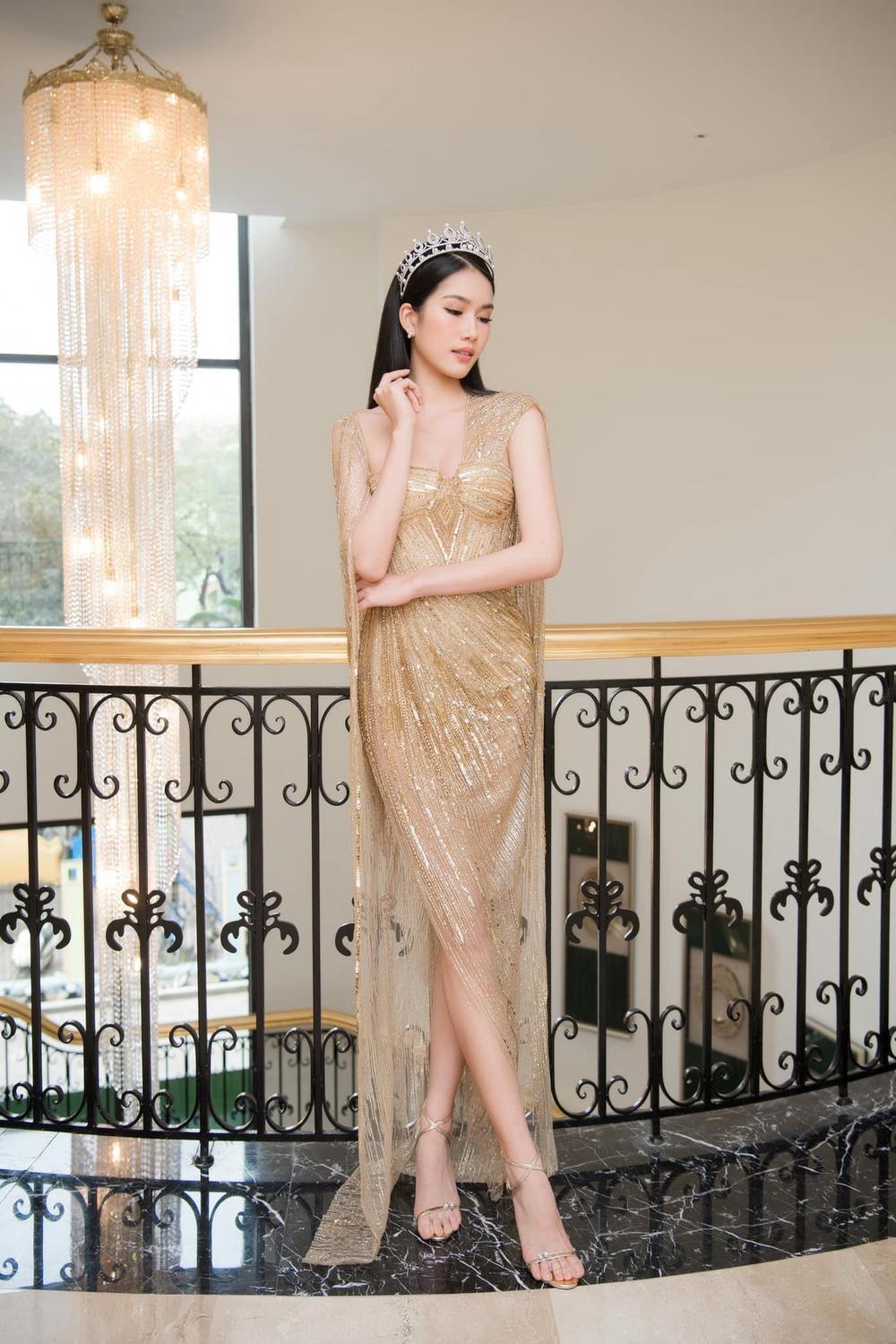 Á hậu Phương Anh đẹp vượt mặt chị đại Thanh Hằng dù đã sửa kết cấu váy, bộ đầm tạo kỉ lục mới! Ảnh 2