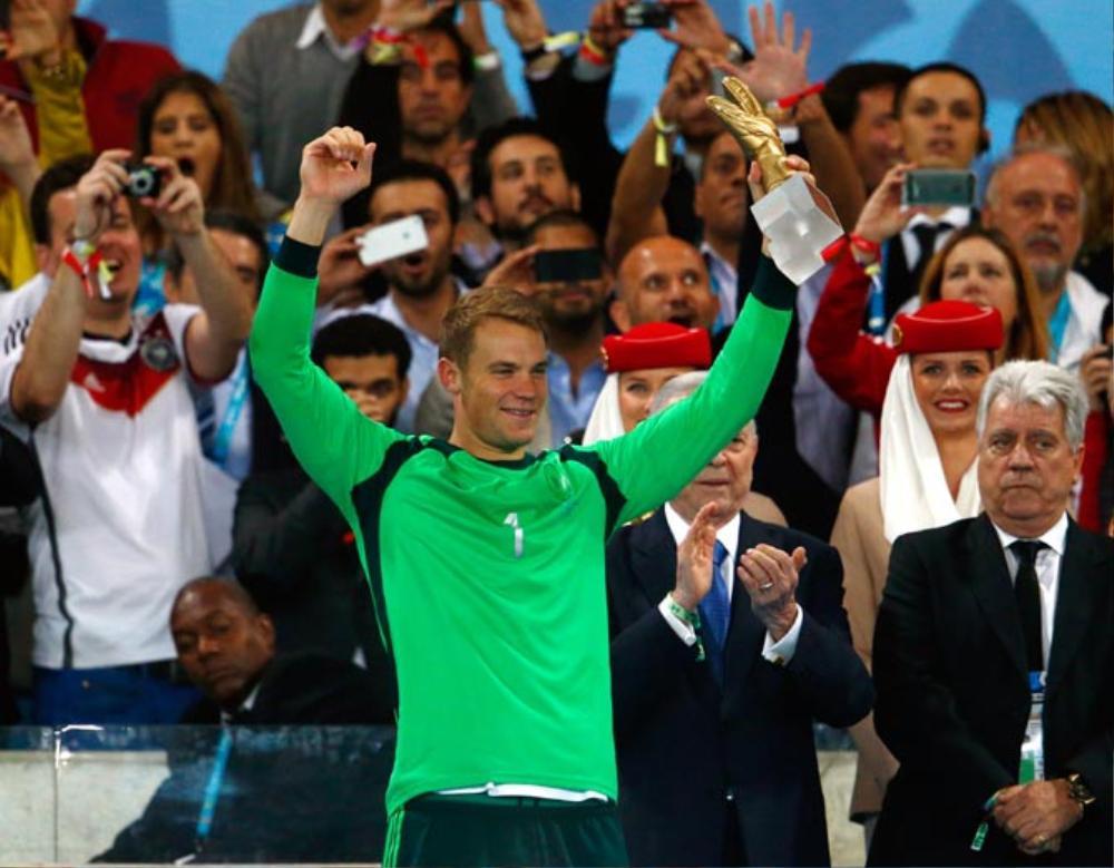 Manuel Neuer đánh bại Buffon, trở thành thủ môn hay nhất thập kỷ Ảnh 2
