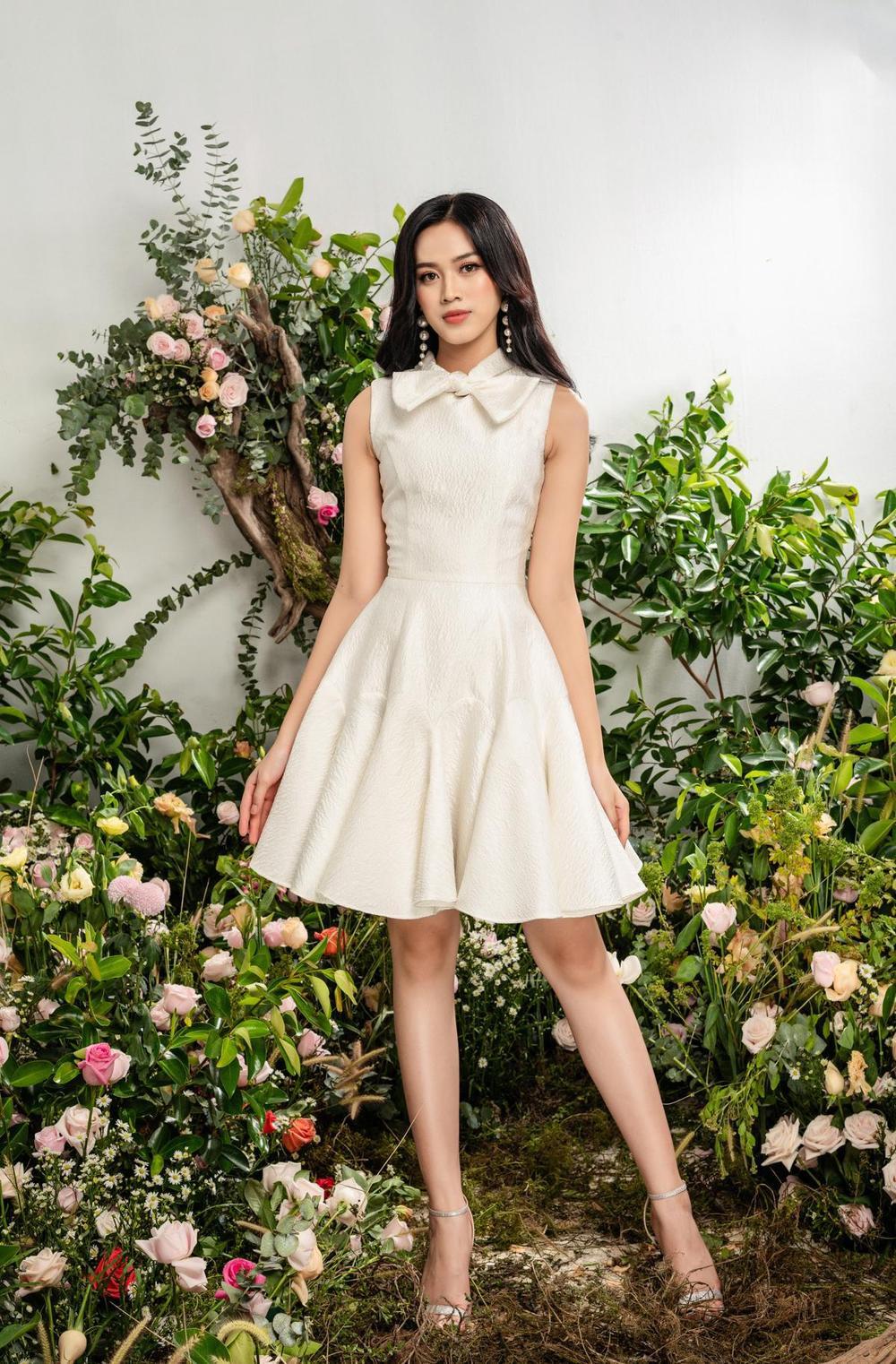 Hoa hậu Đỗ Thị Hà xinh như thiên thần hoa với váy áo du Xuân Ảnh 16