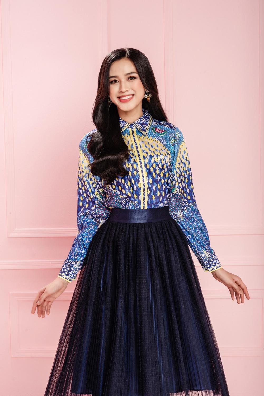 Hoa hậu Đỗ Thị Hà xinh như thiên thần hoa với váy áo du Xuân Ảnh 11