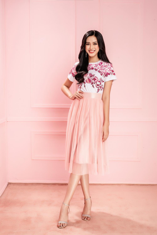 Hoa hậu Đỗ Thị Hà xinh như thiên thần hoa với váy áo du Xuân Ảnh 14