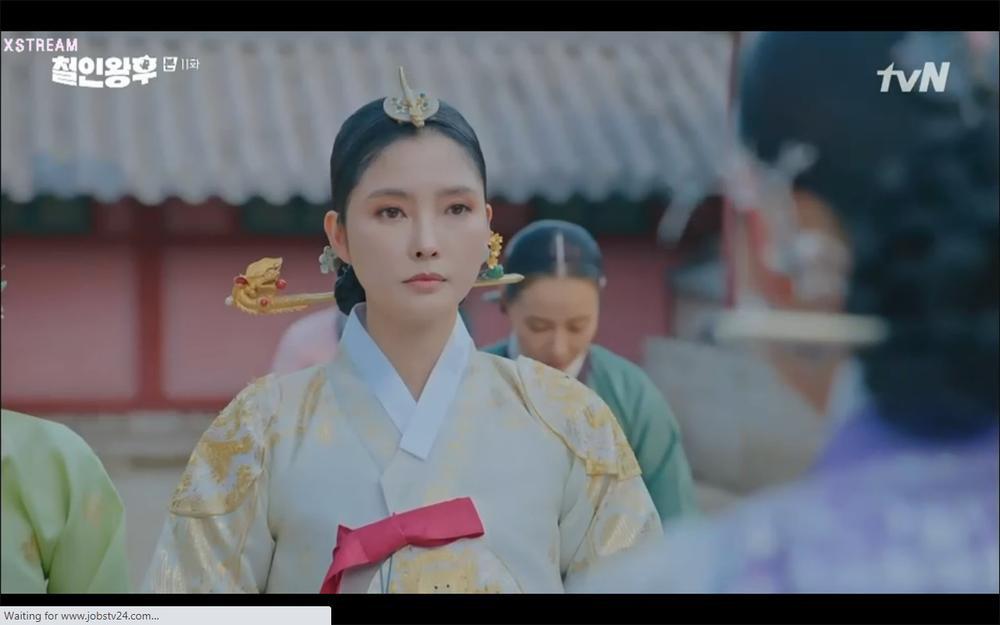 'Mr. Queen' tập 11: Shin Hye Sun tá hỏa vì tình địch thẳng tay ám sát, Kim Jung Hyun bị lộ thân phận Ảnh 26