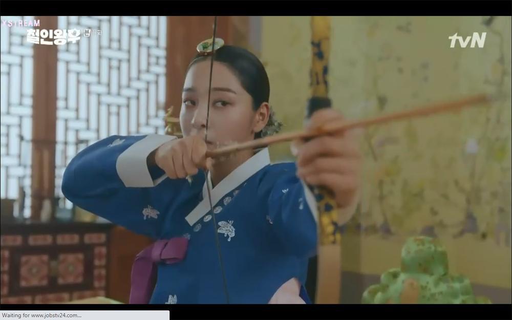 'Mr. Queen' tập 11: Shin Hye Sun tá hỏa vì tình địch thẳng tay ám sát, Kim Jung Hyun bị lộ thân phận Ảnh 33
