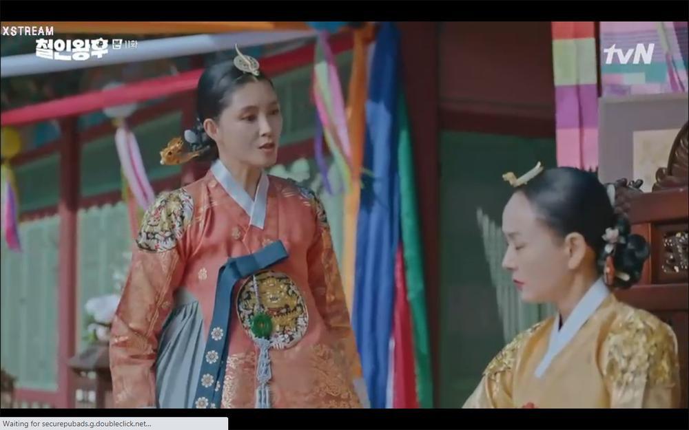 'Mr. Queen' tập 11: Shin Hye Sun tá hỏa vì tình địch thẳng tay ám sát, Kim Jung Hyun bị lộ thân phận Ảnh 42