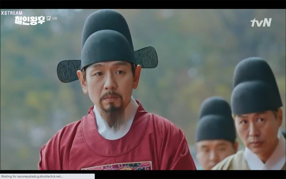 'Mr. Queen' tập 11: Shin Hye Sun tá hỏa vì tình địch thẳng tay ám sát, Kim Jung Hyun bị lộ thân phận Ảnh 47