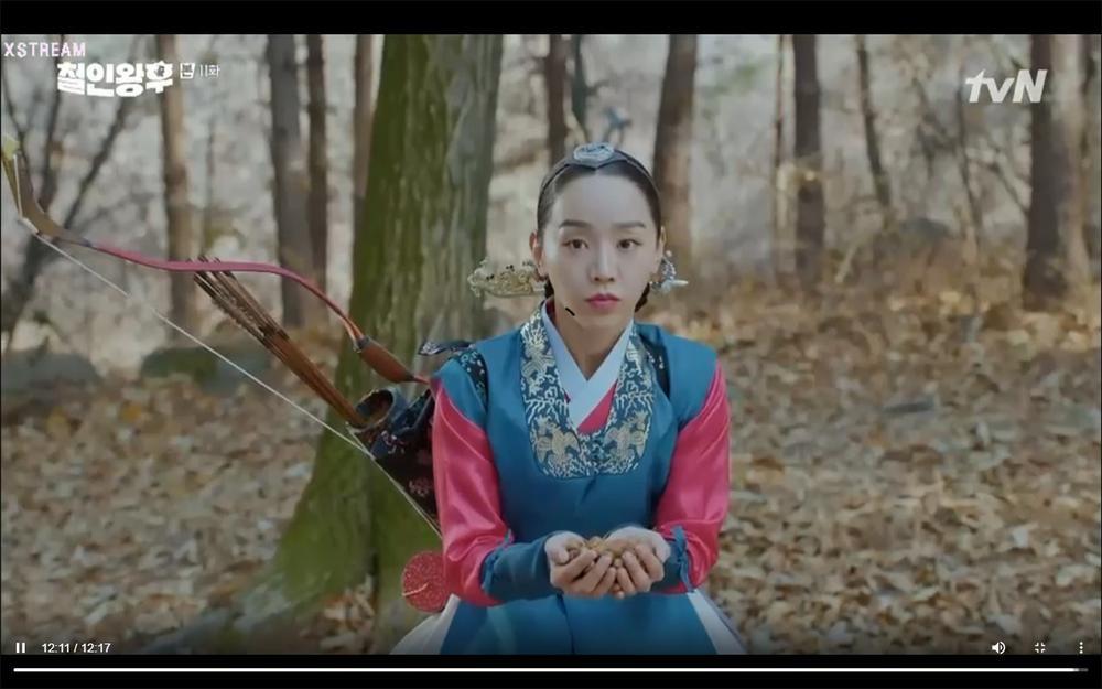 'Mr. Queen' tập 11: Shin Hye Sun tá hỏa vì tình địch thẳng tay ám sát, Kim Jung Hyun bị lộ thân phận Ảnh 53